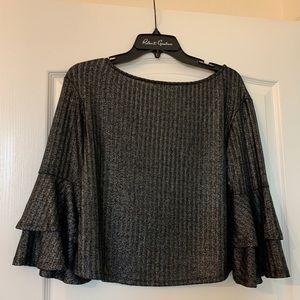 Beautiful Gianni Bini Bell Sleeved Shirt
